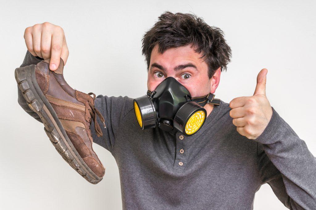 fot. Co zrobić z problemem śmierdzących butów ?